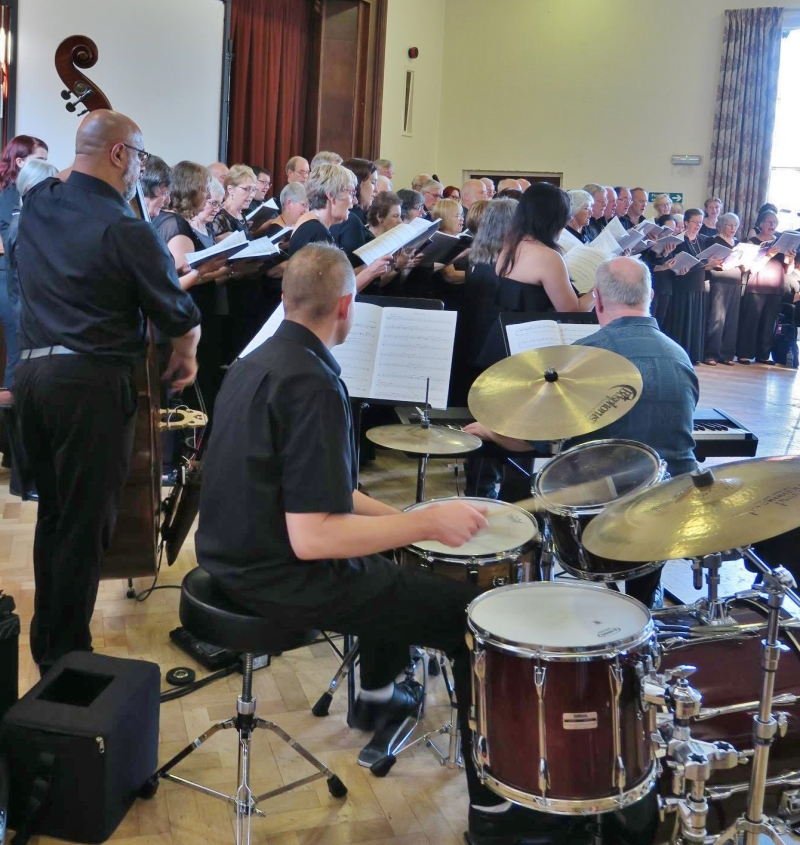 BFCS accompanied by the Jazz trio Photo by David Jones)
